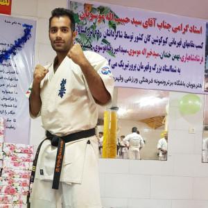 فرشاد شاهیاری