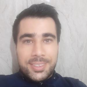 حسین دادگرنیا